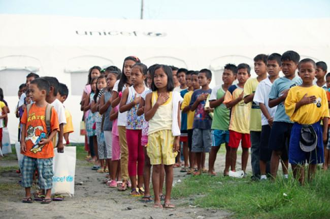 Philippines: UN focus shifts from life-saving aid to school