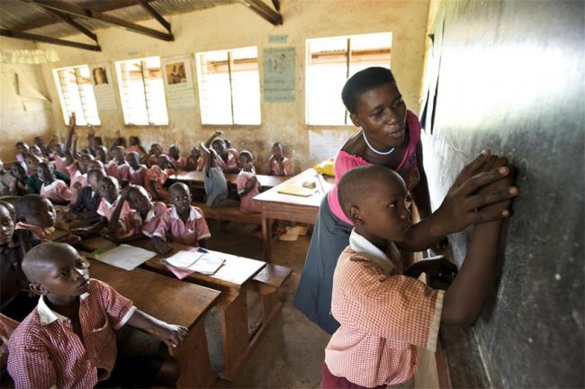 UN expert warns African governments against privatizing basic education