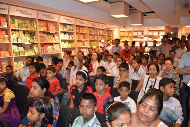 STORY distributes books to underprivileged children