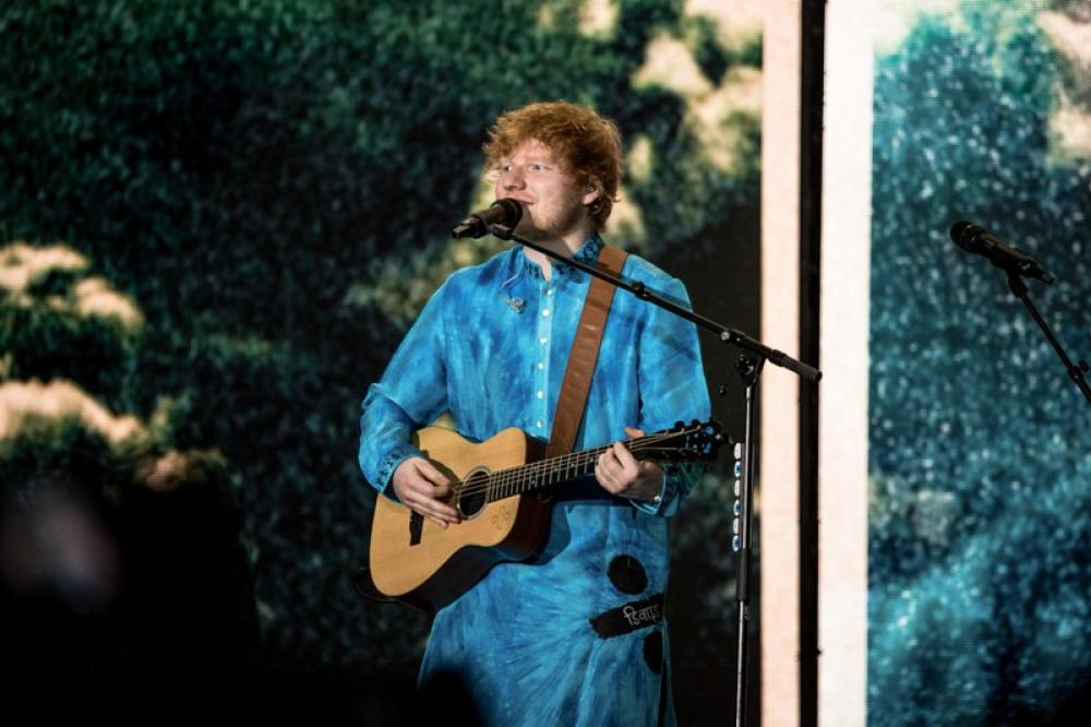 Ed Sheeran conquers India's tinsel town Mumbai