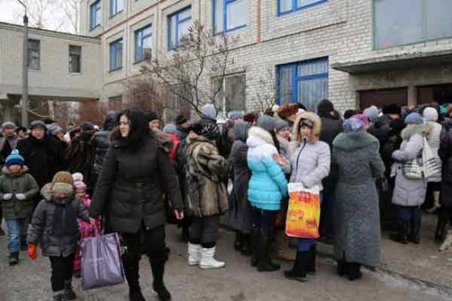 UN emergency food agency to feed some 220,000 people in conflict-affected Ukraine