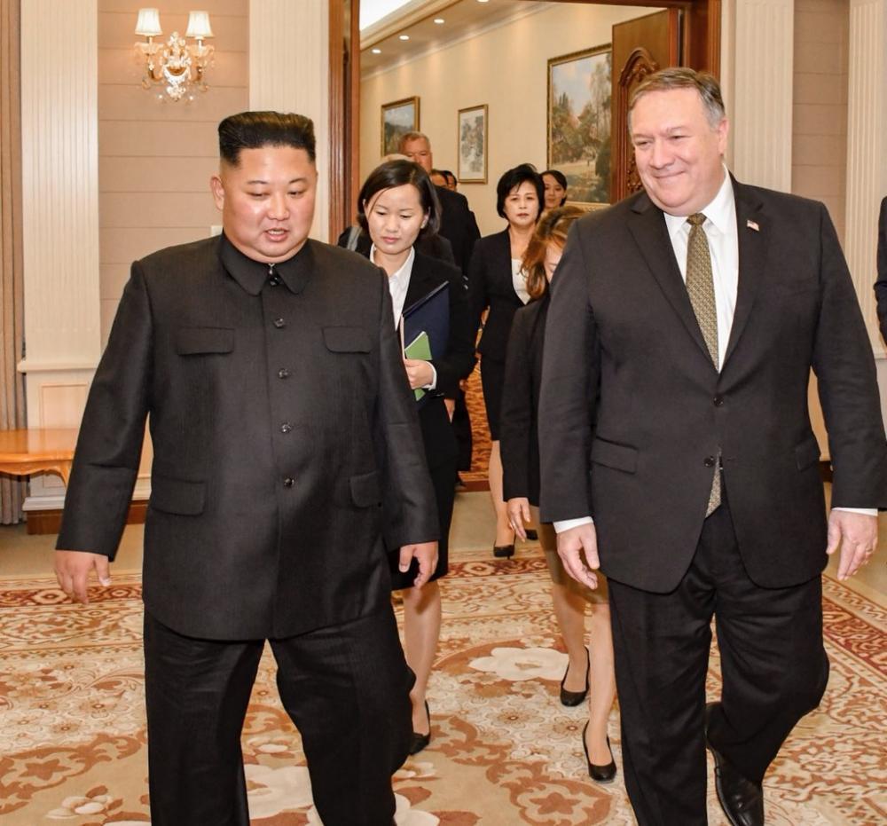 North Korea: Mike Pompeo meets Kim Jong Un in Pyongyang