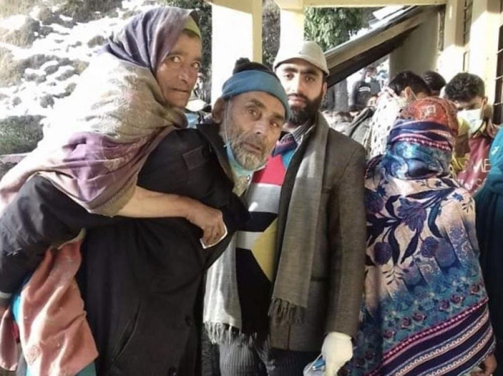 Kashmirs: Alike in polls, different in