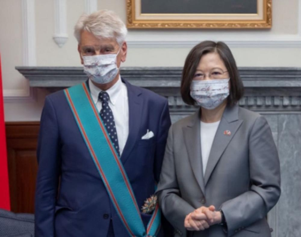 French delegation visiting Taiwan calls it a 'country'