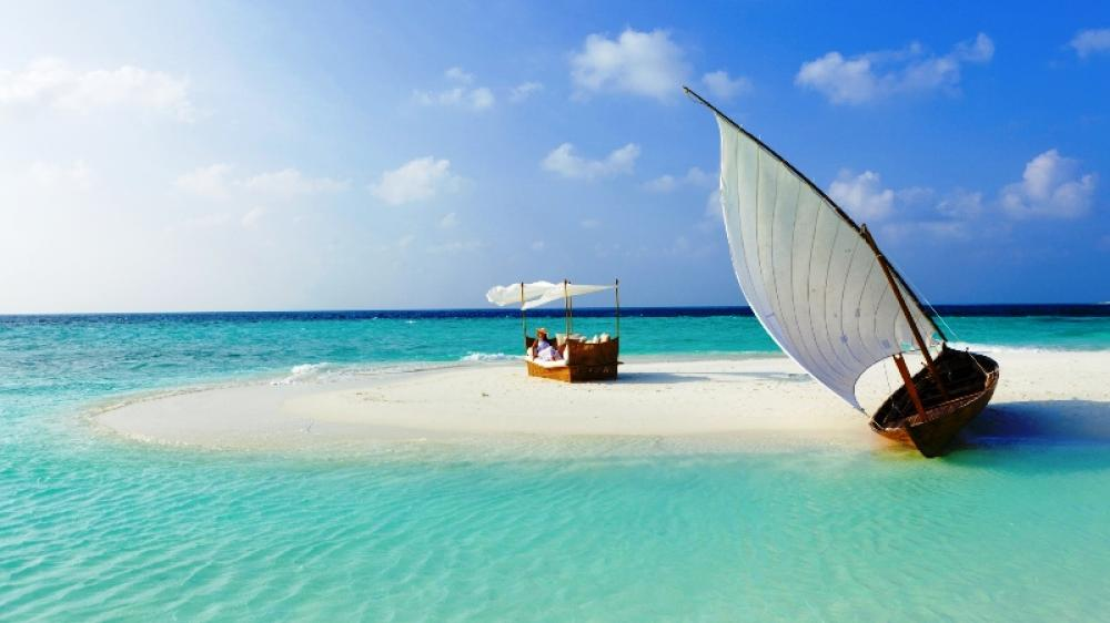 Emergency in Maldives can spell disaster for its booming tourism industry