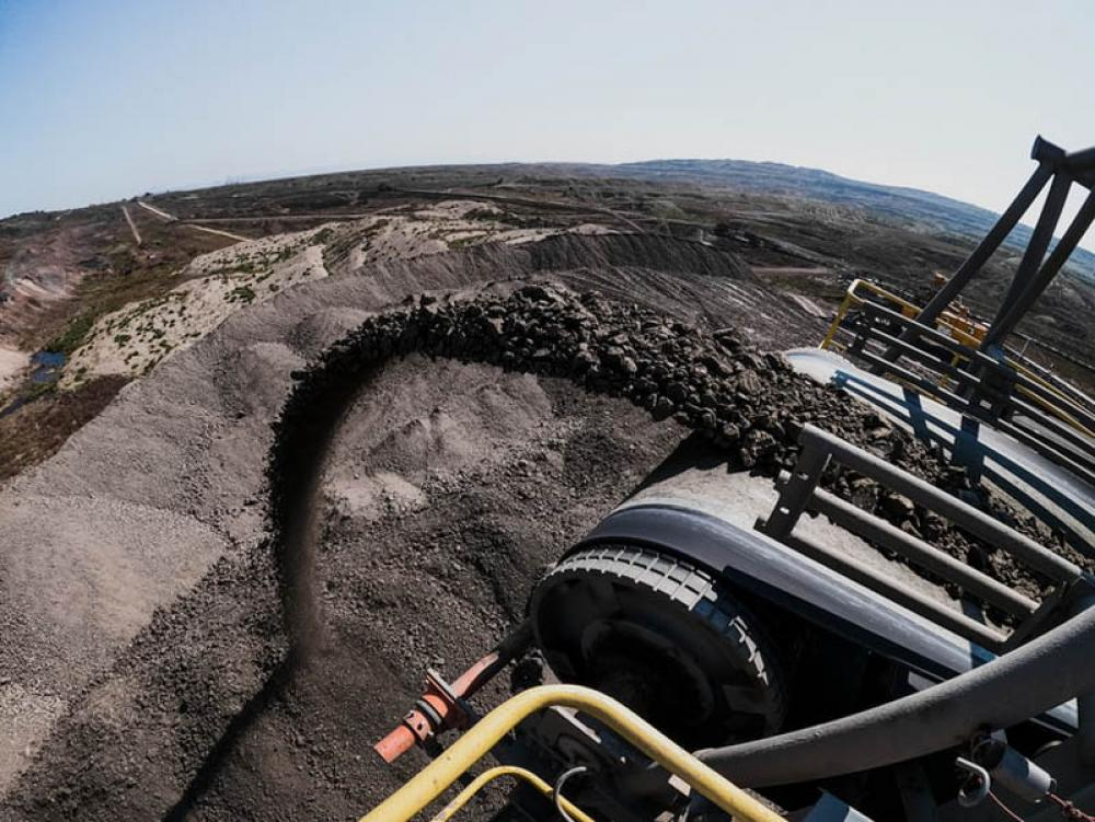 China directs coal miners to increase output amid energy shortage