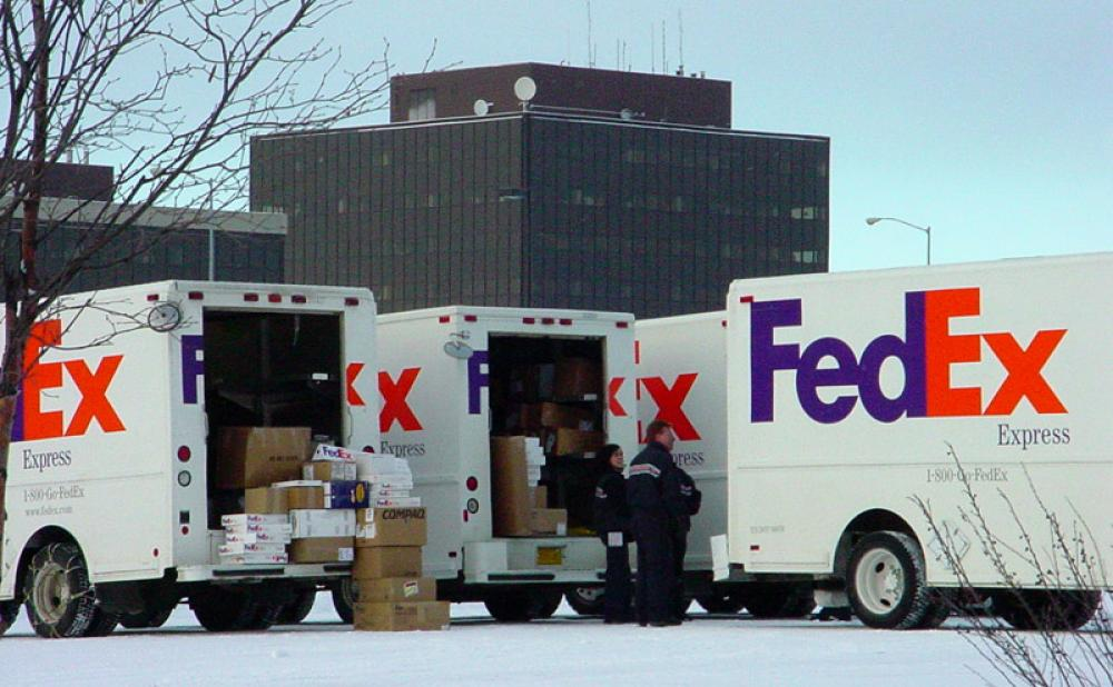 FedEx aims to hire 90,000 workers across United States ahead of holidays