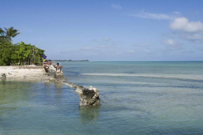 Ban praises small islands' commitment to climate change