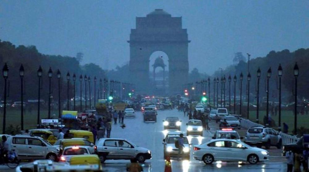 India: 13 states put on storm alert, schools closed