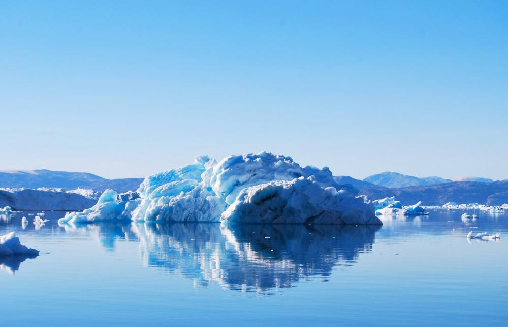 Greenland ice melting rapidly, study finds
