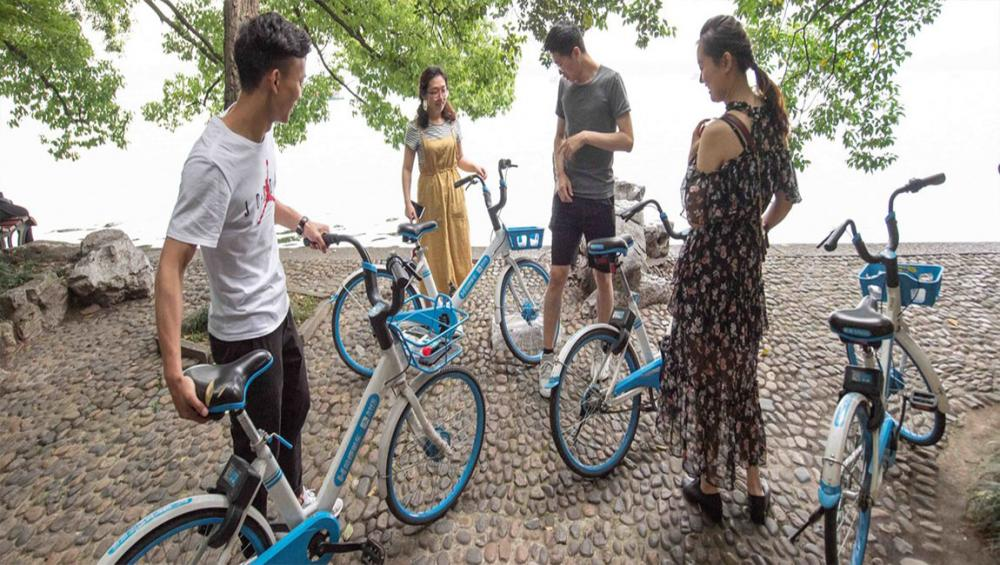 'Bicycle Kingdom' makes a comeback, as China seeks solutions to tackle air pollution crisis