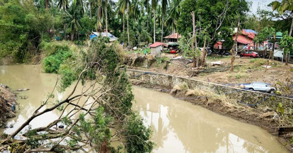 'Super typhoon' Goni: Towns cut off as COVID-19 impacts response
