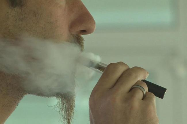 UN health agency calls for regulation of 'e-cigarettes,' curbs on advertising, sales to minors