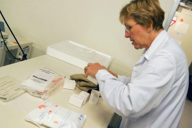 Ebola: industry leaders meet to discuss vaccine trials, as UN agencies continue aid push