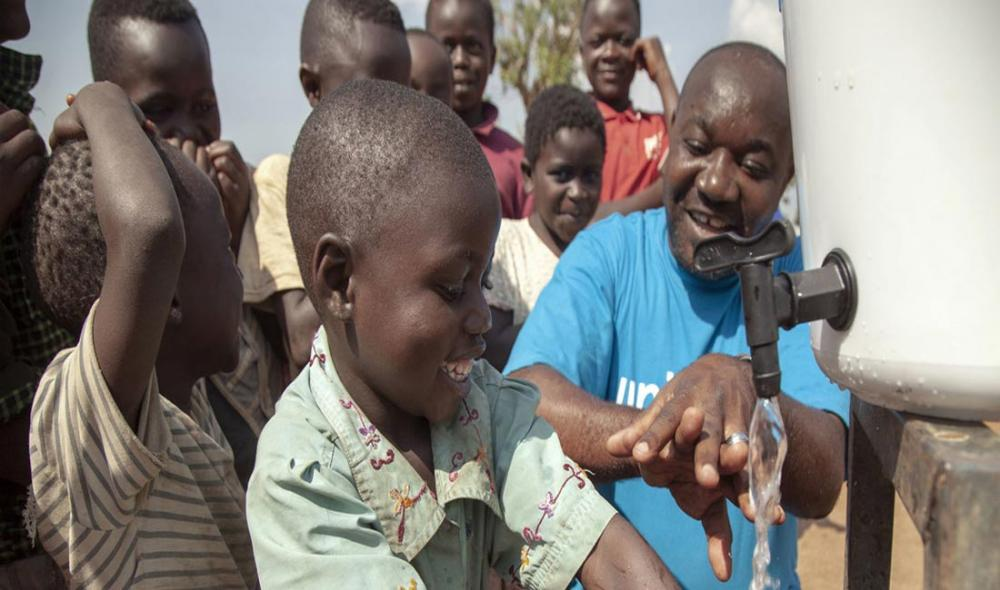 As children in Ebola-affected areas of DR Congo head back to school, UNICEF ramps up support