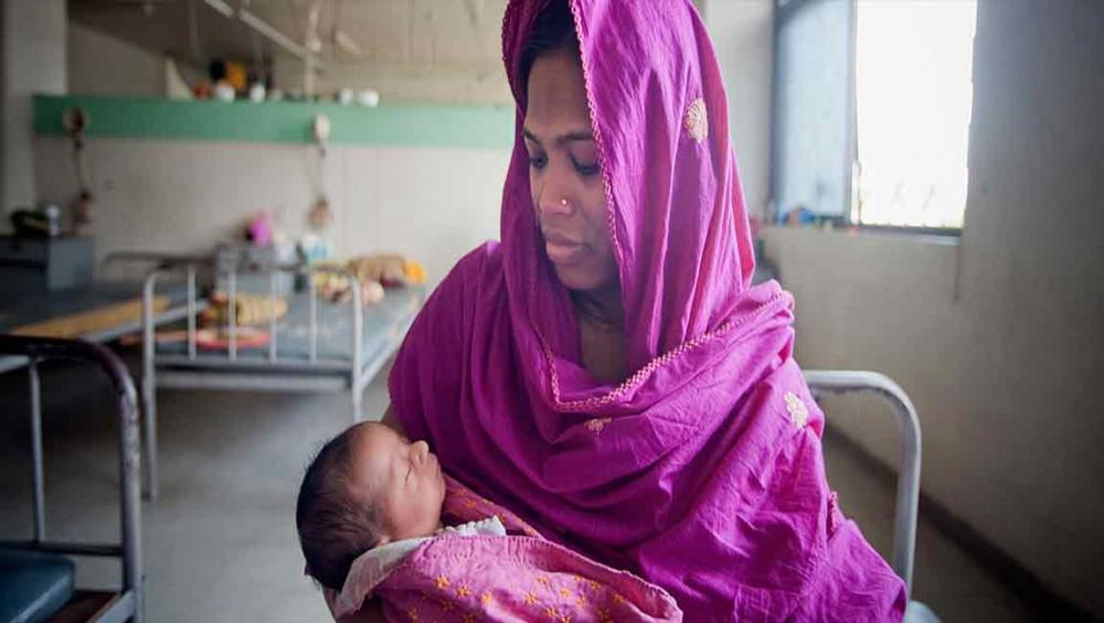 New guidelines on global care standards during childbirth issued by UN health agency