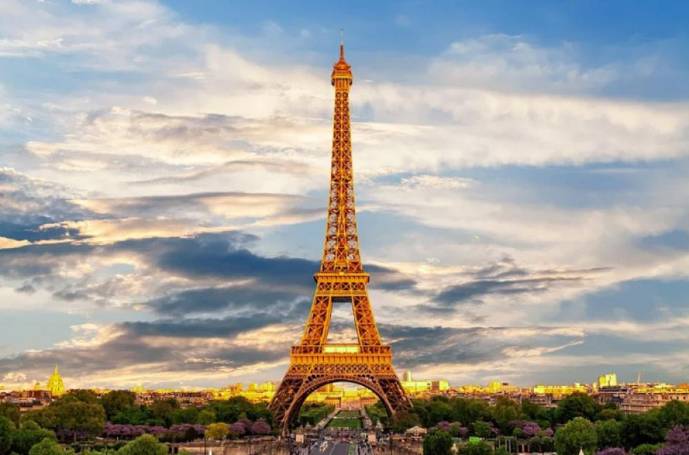 France sets New Daily record with over 60,000 COVID-19 cases