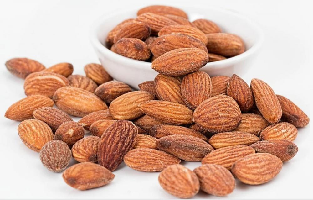 Eating almonds may help improve the heart and nervous system