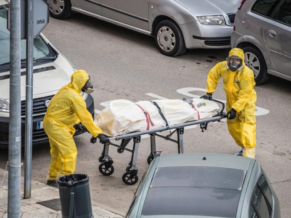 COVID-19 death count surpasses 700,000-mark in US: Johns Hopkins