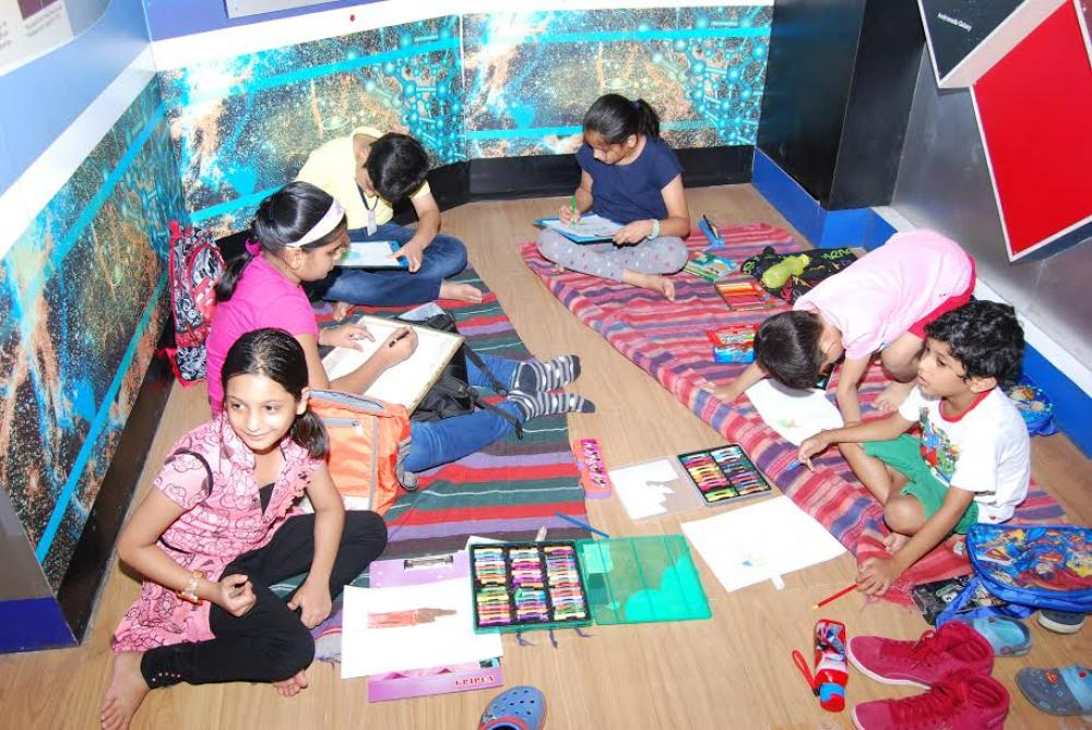 """The Bengal Chamber hosts fifth edition of its """"Sit and Draw Competition 2017"""" for school children on Earth Day"""