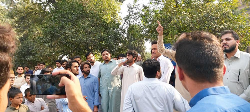 Pakistan: Students' body condemns police brutality on protesting Pakhtuns in university campus