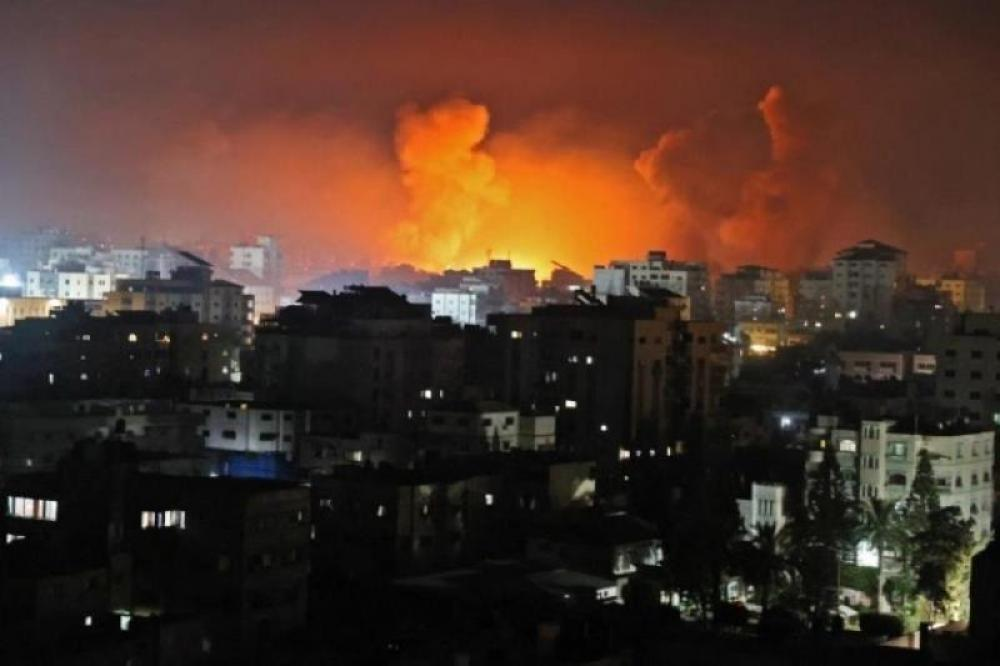 After fire balloon attack from Gaza, Israel retaliates with air strikes