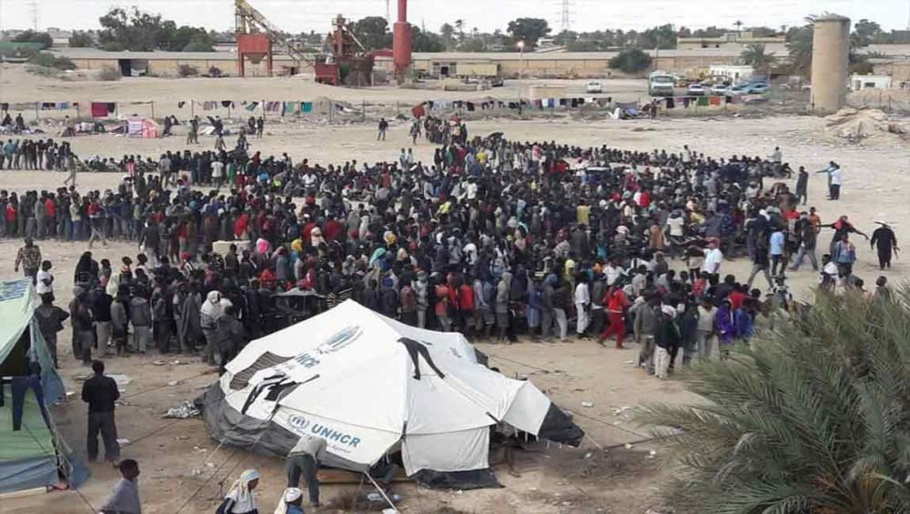Libya: Smugglers holding refugees and migrants in deplorable conditions, say UN agencies