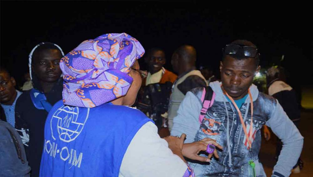 UN agency begins assisting thousands of West African migrants to leave Libya