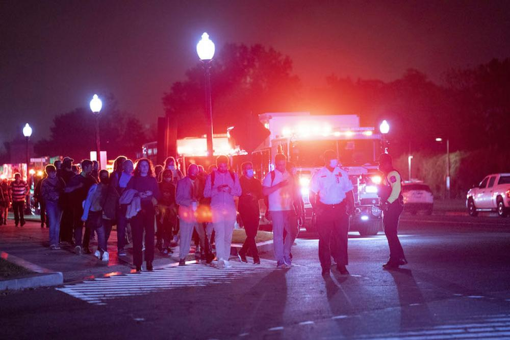 Passengers evacuated from derailed train in Virginia, USA