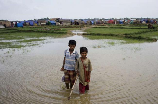 Myanmar: UN fears sailing tragedies at start of smuggling season