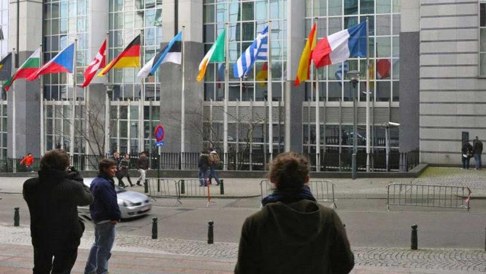 Strengthen existing protections to curb negative impact of sanctions, UN rights expert urges EU