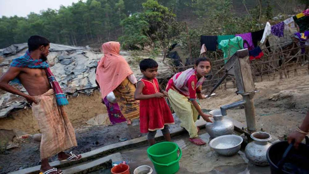 Myanmar: Displaced Rohingya at risk of 're-victimization' warns UN refugee agency