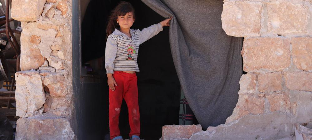 Close to 7,000 evacuated from Syrian towns after enduring nearly 3-year siege