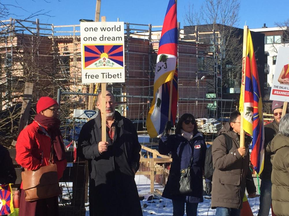 Norway: Hundreds demonstrate outside Chinese Embassy in Oslo to mark Tibetan Uprising Day