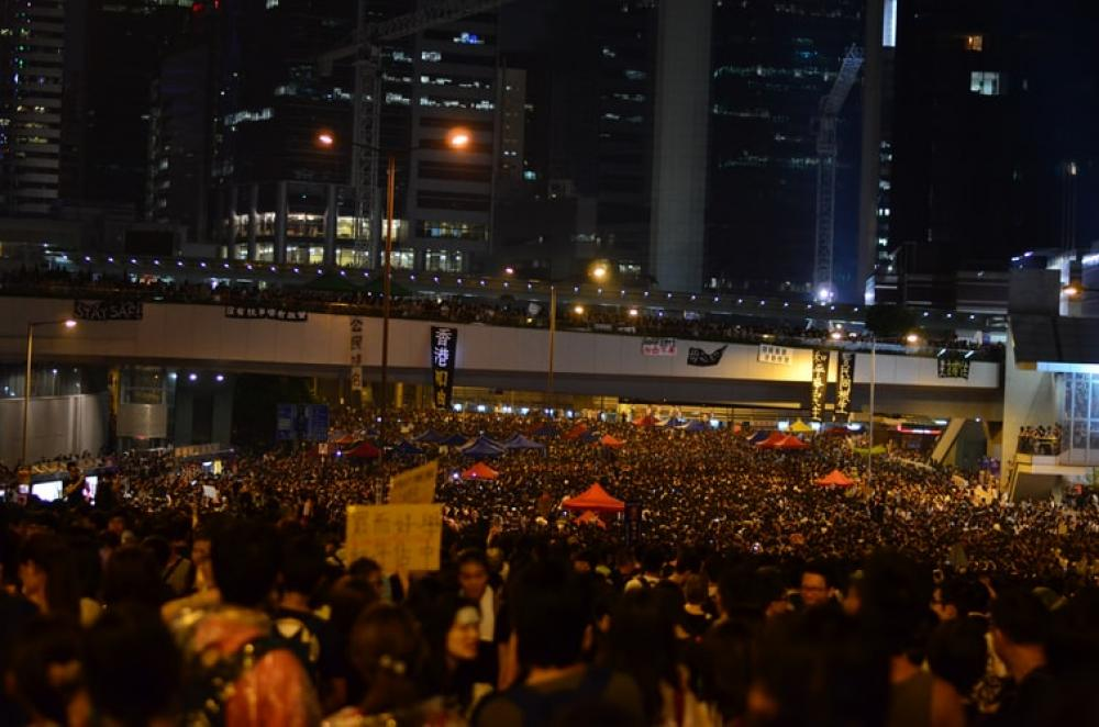 Hong Kong Chief Executive meets young people amid escalation of protests – Reports