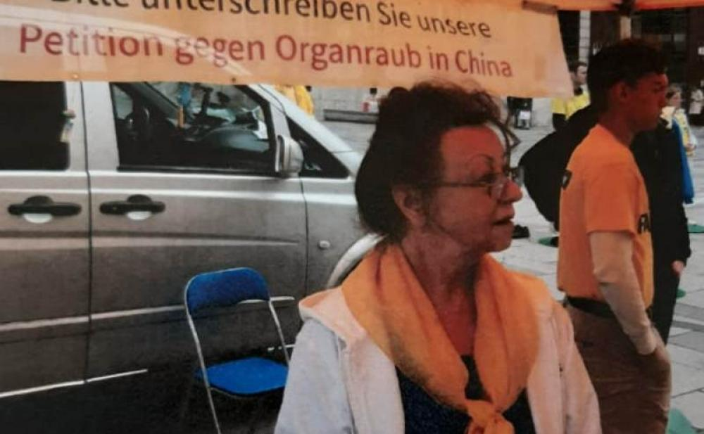 Falun Gong practitioners in Vienna highlight their plight inflicted by China