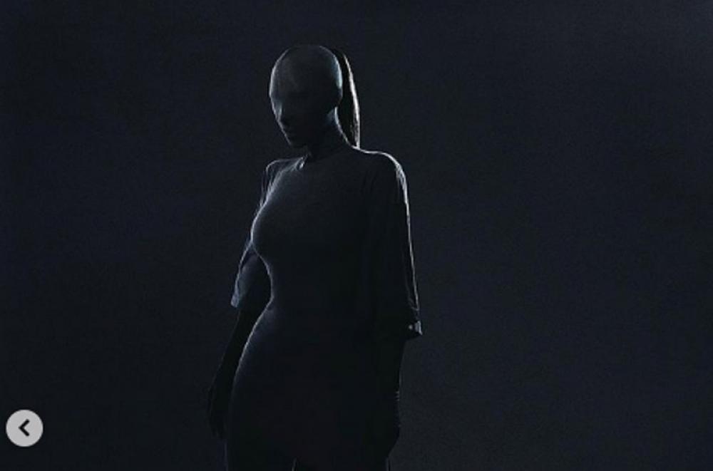 Rihanna, Kim Kardashian stun audience with their all black dress at the grand Met Gala event