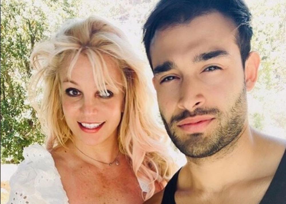Pop sensation Britney Spears announces engagement with boy friendSam Asghari